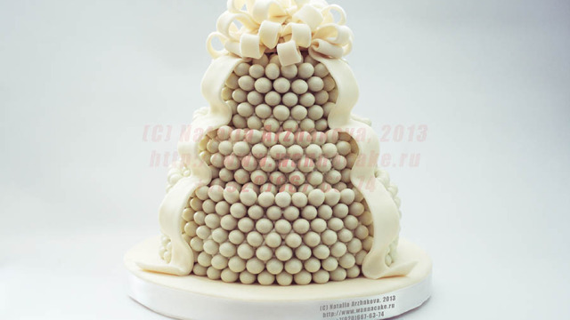 Свадебный торт с фундуком