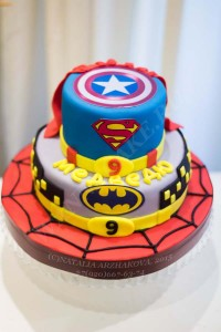 Торт Бэтмен, Супермэн, Человек-Паук, Капита Америка