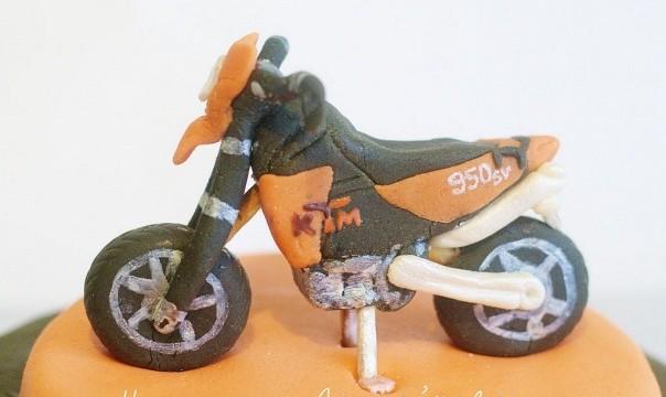 """Торт """"КТМ 950"""""""