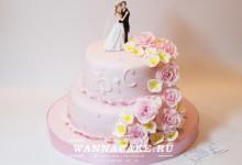 Свадебный торт с фигурками