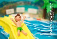 Отпускной торт для сынишки крутой фитнес-леди. :)